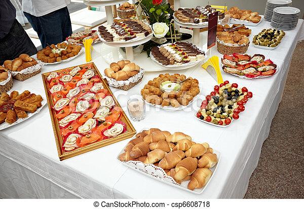 Restaurante de comida - csp6608718