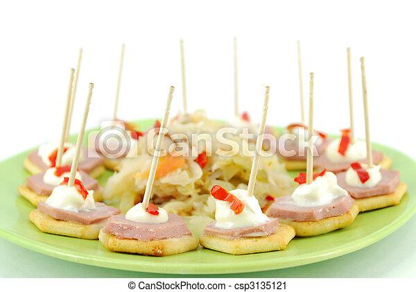 Comida para fiestas - csp3135121