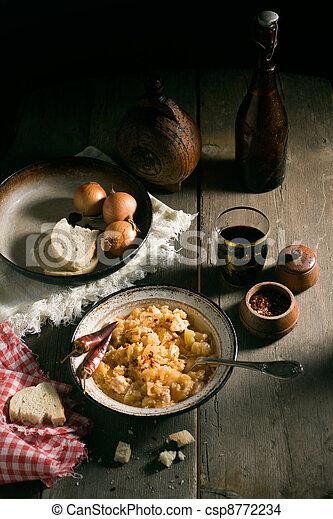 La comida sigue viva - csp8772234