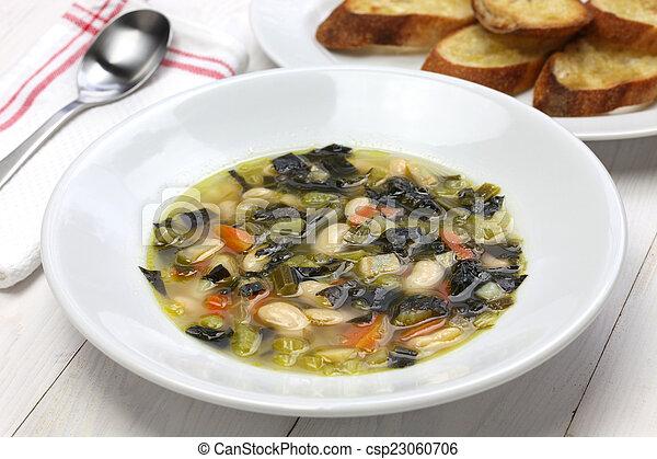 Sopa de col negra, comida italiana - csp23060706