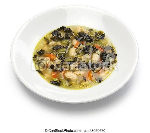 Sopa de col negra, comida italiana - csp23060670