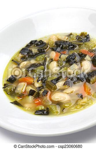 Sopa de col negra, comida italiana - csp23060680