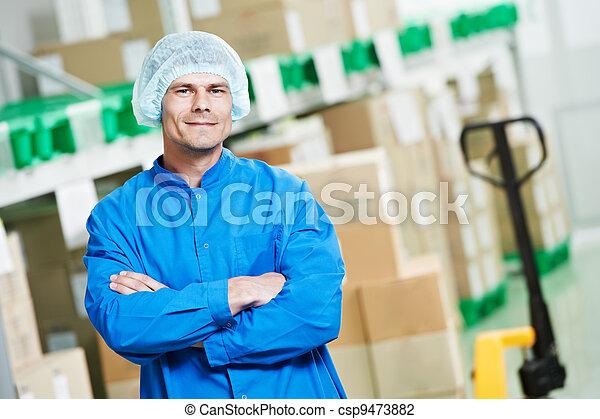 Trabajador de almacén médico - csp9473882