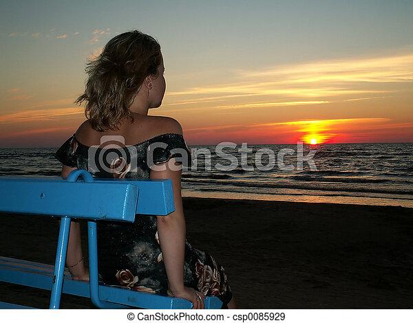 alone woman - csp0085929