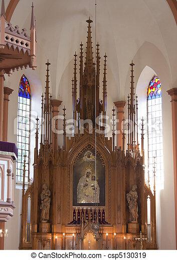 Altar en la iglesia católica - csp5130319