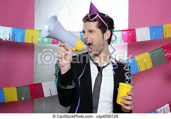 Loudspeaker loco de fiesta gritando feliz - csp4550129