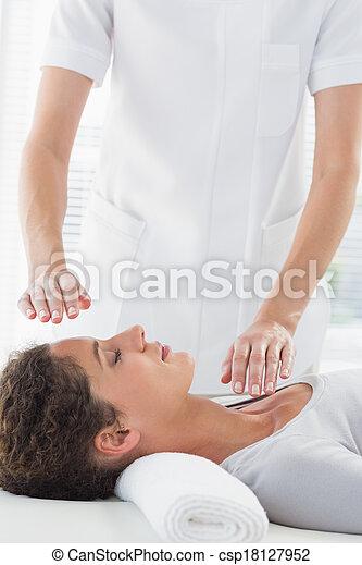 alternativ, kvinna, terapi, mottagande - csp18127952