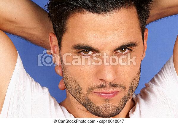 Braune augen braune haare männlich