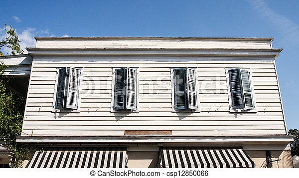 Altes Gelber Vier Abstellgleis Grun Fensterladen