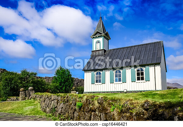 Kleine alte Kirche Pingvallkirkja in Dingvellir, Eis - csp16446421