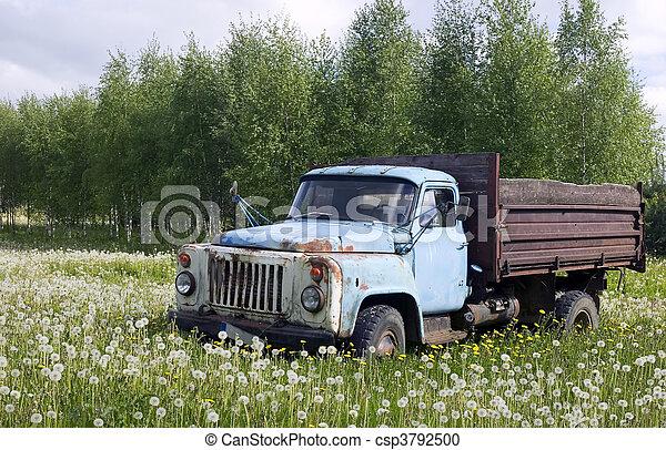 altes konzept, lastwagen, natur - csp3792500