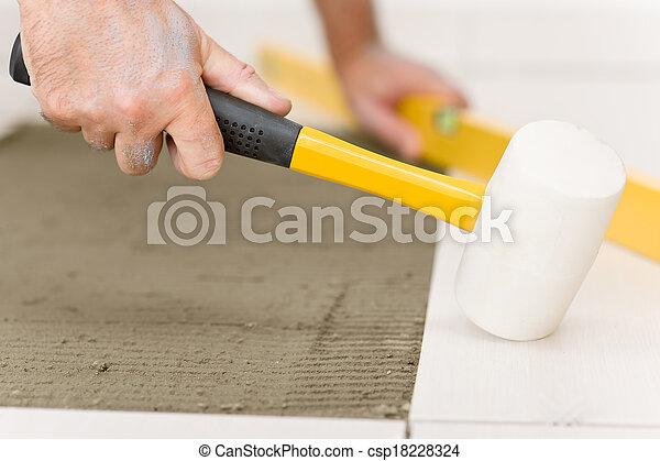 amélioration, pose, -, bricoleur, carreau, rénovation du logement - csp18228324