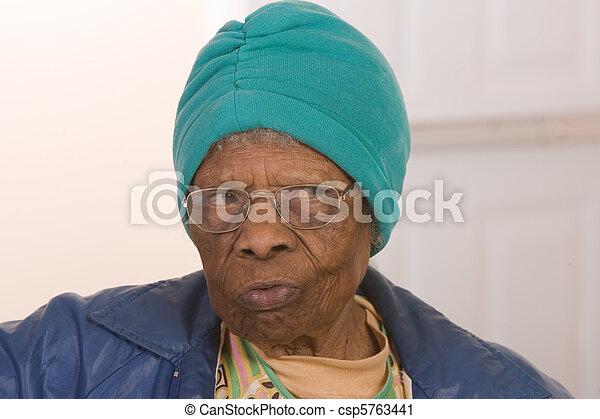américain, africaine, personne âgée - csp5763441