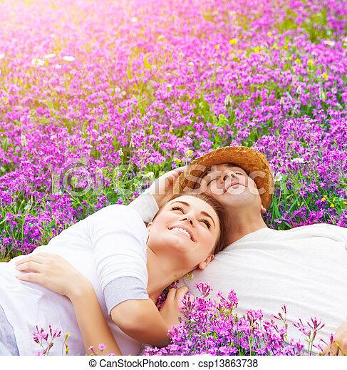 amants, heureux, lavande, clairière - csp13863738