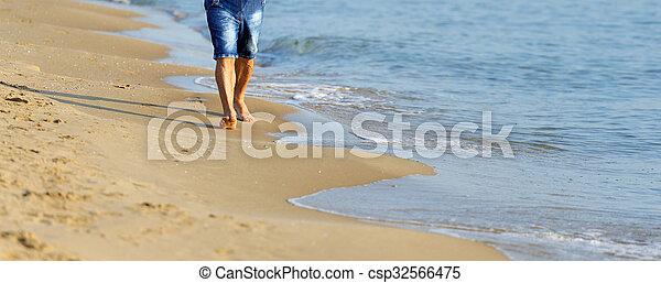 Ambulante arena de la playa hombre dorado ambulante for Arena de playa precio