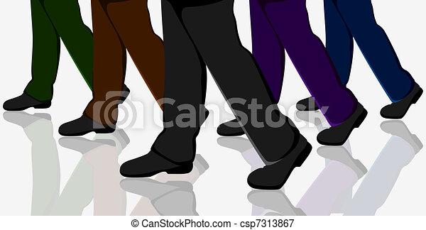 Gente de negocios caminando - csp7313867