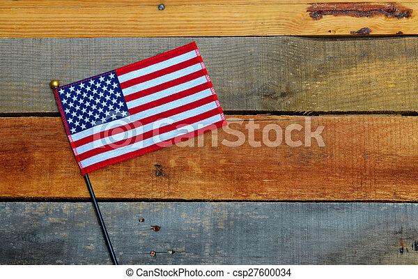 American Flag on pallet wood - csp27600034