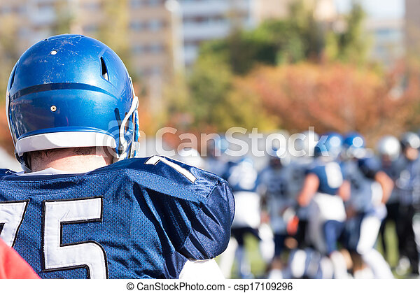 American football player - csp17109296