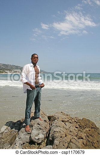 amerikaan, mooi, strand, man, afrikaan - csp1170679