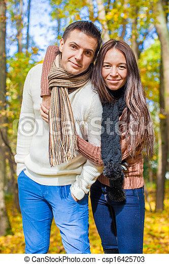 amour, couple, ensoleillé, automne, automne, portrait, jour, heureux - csp16425703