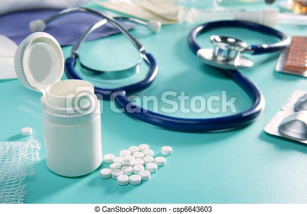 ampolla, farmacéutico, médico, llenar, estetoscopio, píldoras - csp6643603