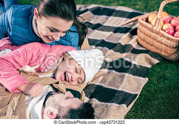 amusement, parc, avoir, famille, heureux - csp43731223