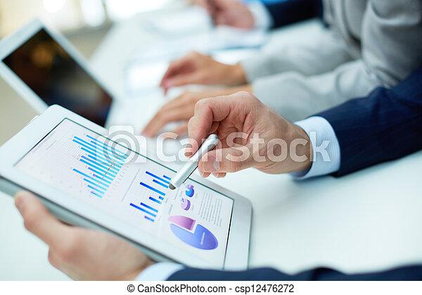 analysieren, ergebnisse - csp12476272