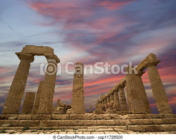 Ancient Greek Temple of Juno (V-VI century BC), Valley of the Temples, Agrigento, Sicily. The area was included in the UNESCO Heritage Site list in 1997 - csp11728500