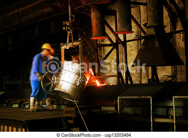 And workers in metal casting processes - csp13203494