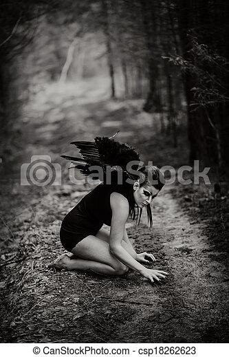 anjo caído - csp18262623