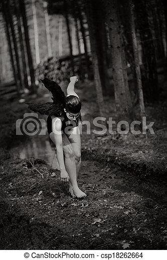 anjo caído - csp18262664