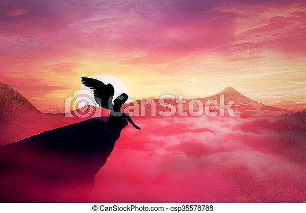 anjo caído - csp35578788