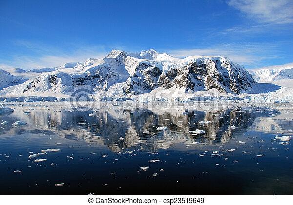 Antarctic peninsula mountains - csp23519649