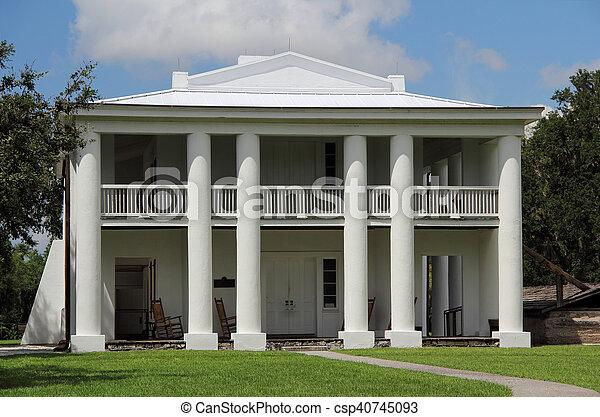 Antebellum Plantation Home - csp40745093