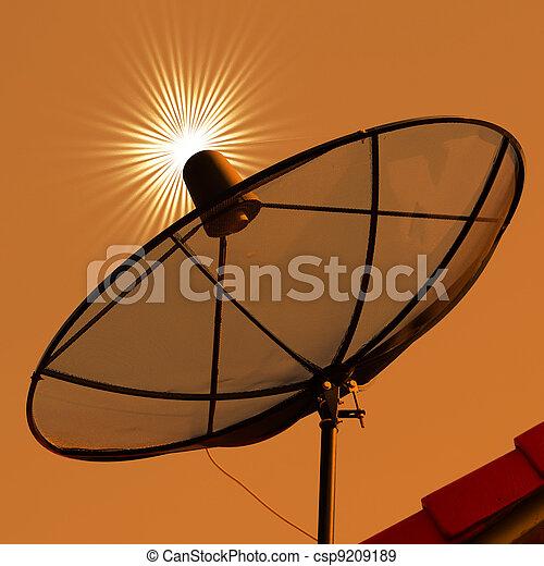 Platos satelitales - csp9209189