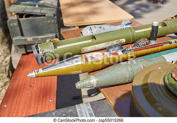 Anti-tank and anti-personnel mines, hand grenade launchers on the stand