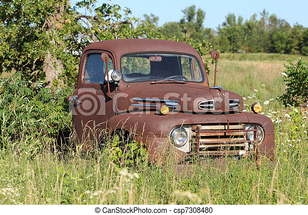 antiek oude, geroeste, vrachtwagen - csp7308480