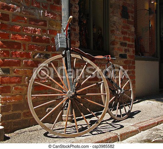 Ongebruikt Antieke , fiets. Antieke , houten, wielen, fiets. UO-76