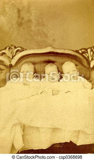 antieke , foto, drie, possibly, triplets, kinderen, circa, 1890 - csp0368698