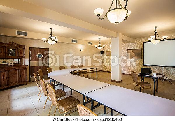 Sala del seminario con muebles antiguos - csp31285450