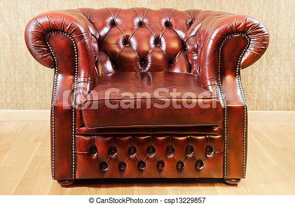 Viejo sillón antiguo - csp13229857