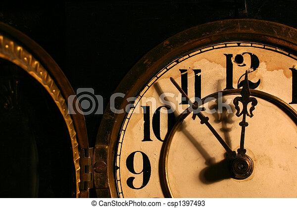 antigüidade, rosto relógio - csp1397493