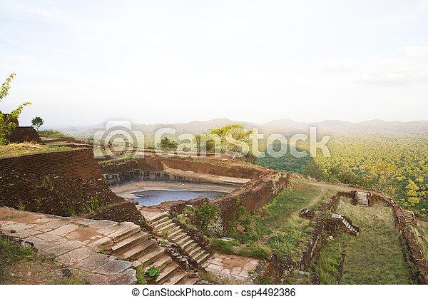 antiga, lanka, cisterna, sigiriya, sri - csp4492386