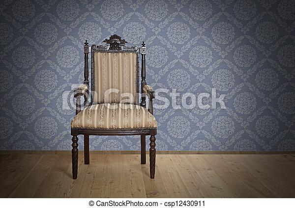 Viejo sillón antiguo de la era victoriana - csp12430911
