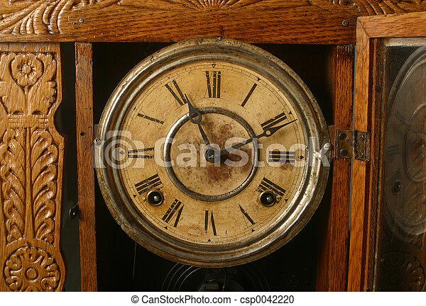 antique clock - csp0042220