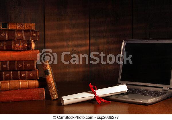 antiquité, livres, ordinateur portable, diplôme, bureau - csp2086277
