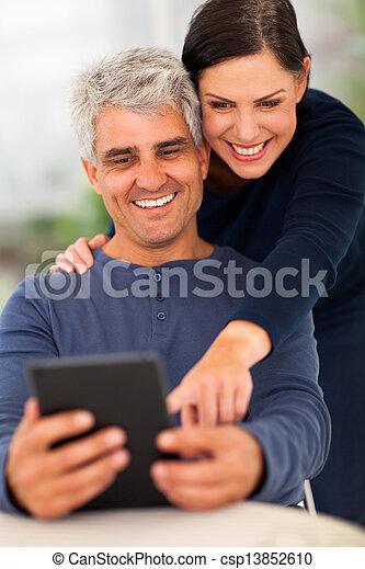användande, senior, dator, par, kompress - csp13852610