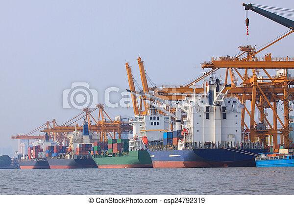 anvendelse, beholder, kommerciel, vand, sh, skib, havn, transport - csp24792319