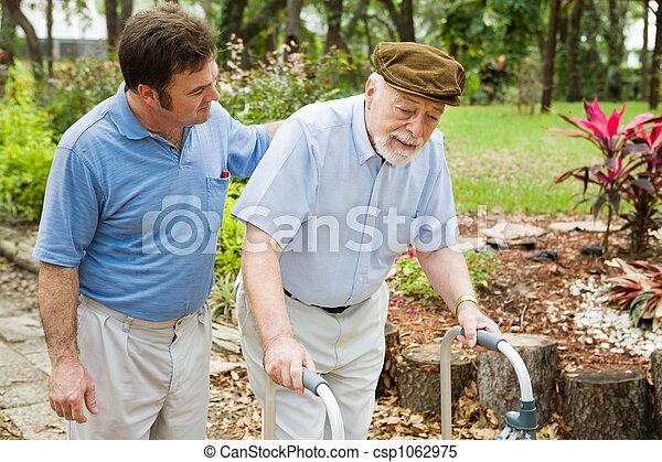 anziano, lotta - csp1062975