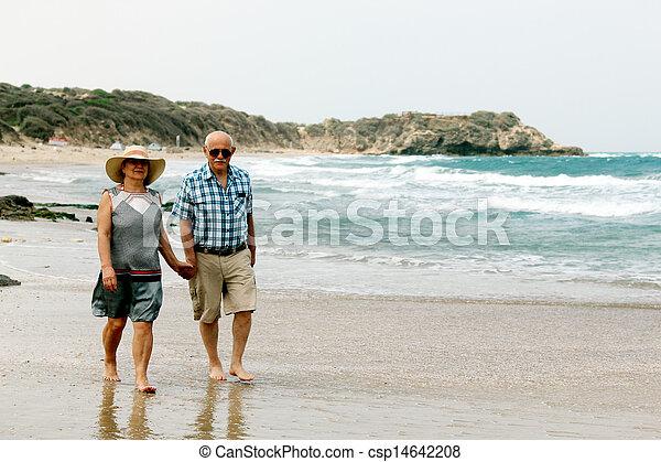 aposentadoria, férias par, idoso, seu, mar, desfrutando, feliz - csp14642208